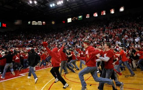 The Hoosiers have a bad taste in their mouths after losing 70-69 to Nebraska last season. No. 1 Indiana will hope to avoid another slip-up against the Cornhuskers tonight. (Image courtesy of http://abcnews.go.com/meta/search/imageDetail?format=plain&source=http%3A%2F%2Fabcnews.go.com%2Fimages%2FSports%2F32b8b9e1b1b94913a2f81ac16c578f77)